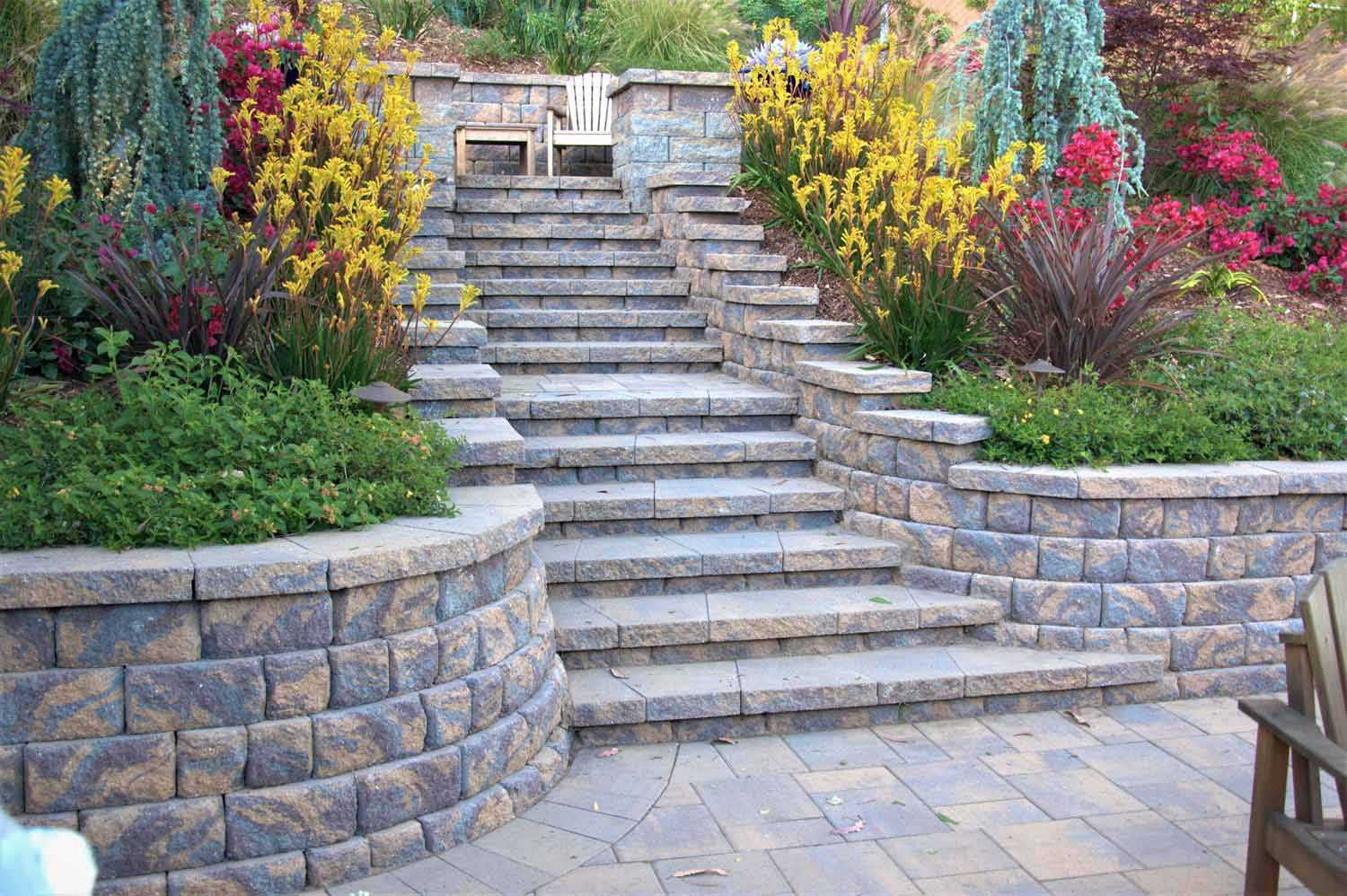 Paverstone Staris And Retaining Wall With Landscaping